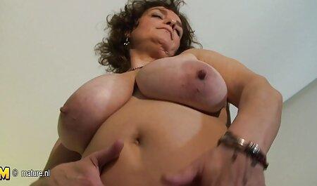 سینه کلان, سکس داغ در حمام خالکوبی, داخل