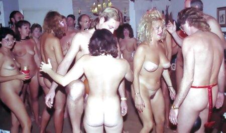 لیلی سالن, سکس داغ در حمام گربه کشیده شده توسط بزرگ سیاه و سفید دیک